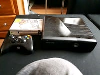 Xbox 360 with controller and games Guelph, N1E 6K7