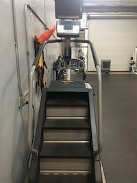 Stairmaster step mill in excellent condition with tv screen Bakersfield, 93308