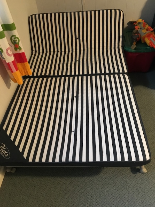 Folding, rolling trundle bed