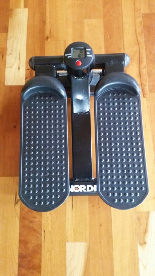 svart NordicTrack mini stepper