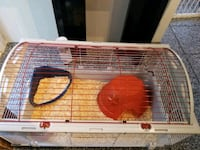 rabit cage in very good condition with all accessories  Longueuil, J3Y 2K7