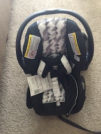 Embrace rear facing car seat never used Norman, 73071