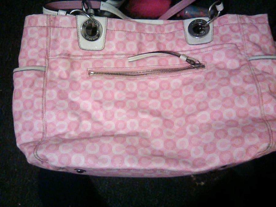 Photo Pink and white coach purse