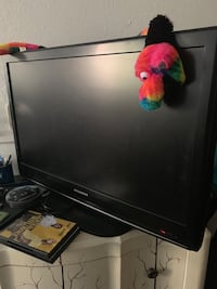 "39"" Flat screen tv. No dents or scratches  Works great! OBO! Anchorage, 99577"