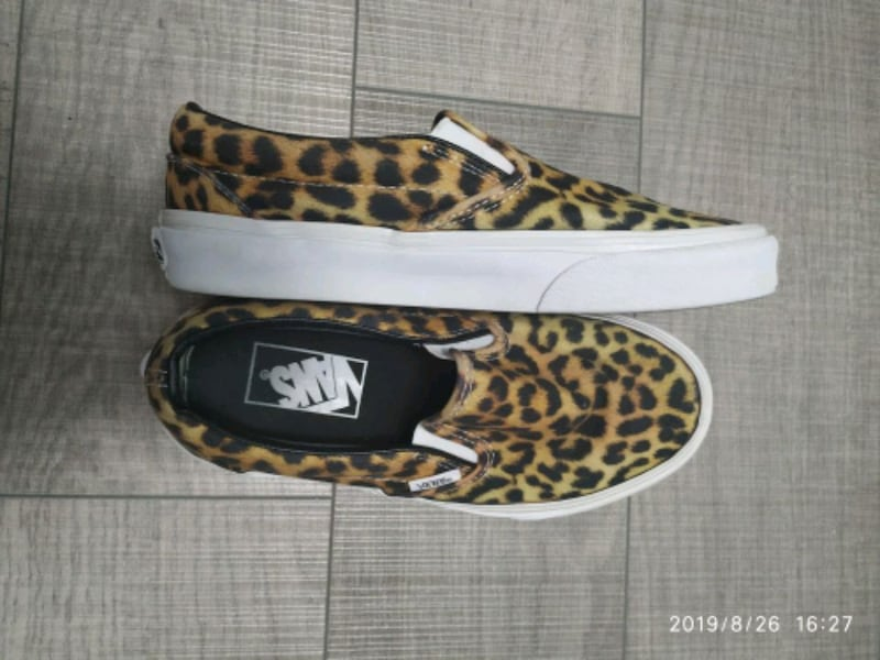 Women Vans leopard slip on 1