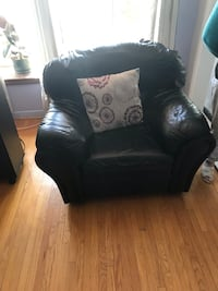 Selling this sofa set. Moving and need sell ASAP  Toronto, M1H 1S1