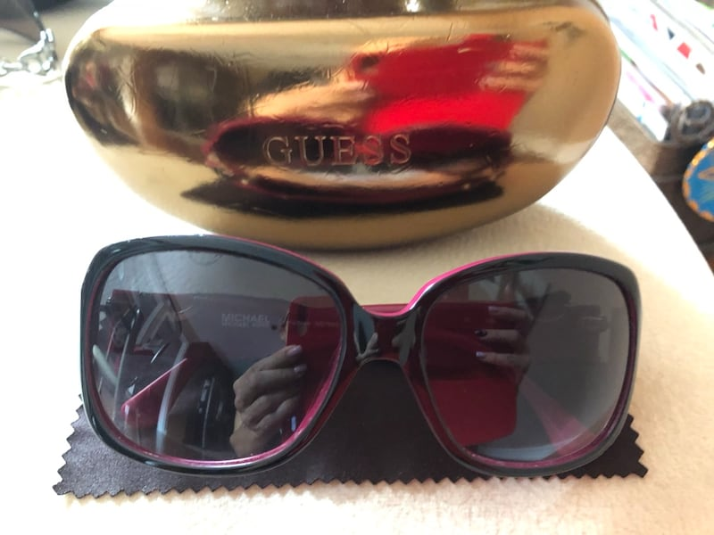 Ladies Sunglasses in perfect condition 2f863ca4-5c4a-4743-b9d0-376fb0e9ab56