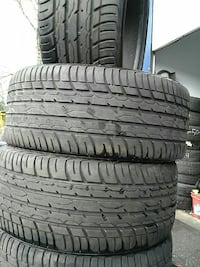 4 tires size is 245 40 18