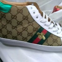 unpaired white and black Gucci low-top sneaker Los Angeles, 91606
