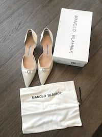 Manolo Blahnik White Satin Pumps, Size 38.5 Purcellville