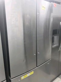 Kenmore French doors refrigerator in excellent condition