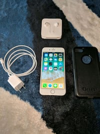 silver iPhone 6 with case and charger Leesburg