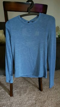 blue scoop-neck long-sleeved shirt London