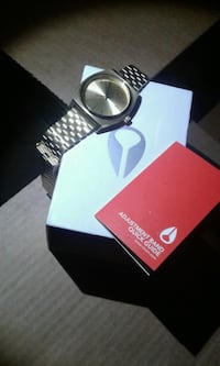round silver-colored Movado analog watch with link bracelet Calexico, 92231