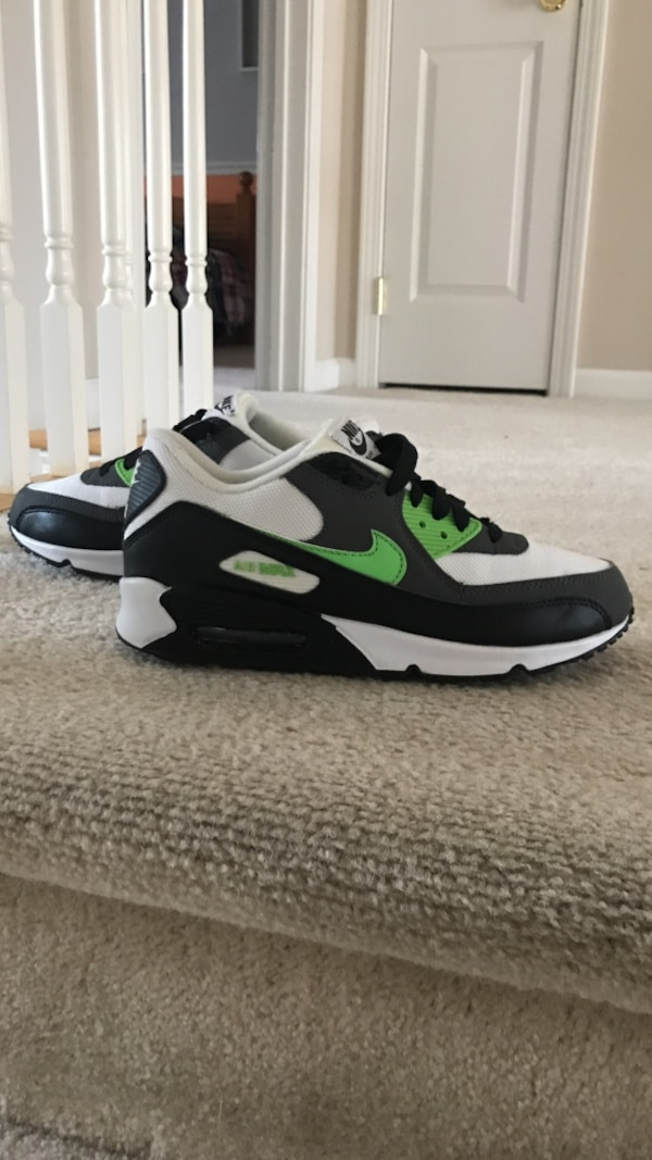46215d1ed5 Used Nike Air Max 90 Size 9.5 Lime Green/Black/White worn about 2 times and  condition is 9/10 for sale in Bayville - letgo