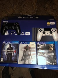 Sony ps4 console with controller and game cases Corona, 92882