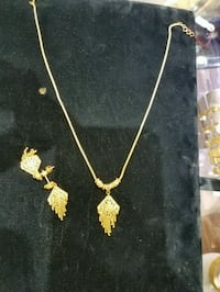 21 k gold set Annandale, 22003