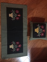 Pillow and Table Runner 46 km