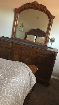 Brown wooden dresser with mirror and wooden bedding bundle Fruita, 81521