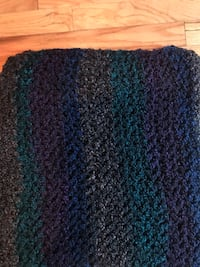 black and blue knit textile 929 mi