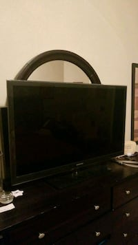 55 inch Samsung TV 1080P works with stand. Pearland, 77584