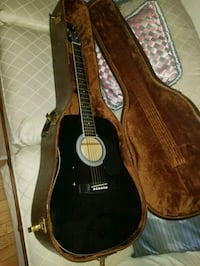 black classical guitar with gig bag Kutztown, 19530