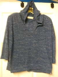 $2$ Hollister 3/4 Sleeve Hoodie (Size Medium) Ajax, L1T 3N7