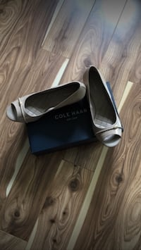 Cole Haan peep toe sandals - size 9 Mississauga, L4Z 0B4