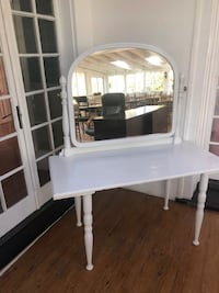 Solid wood Table with Mirror Warrenton, 20186