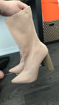 Tan Sock Boots Size 11 Toronto, M1S