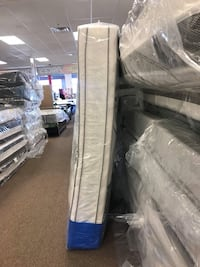 Queen or king double pillow top mattress and box with free shipping  Washington