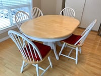 Pending pick-up Table and 5 Chairs St Albert, T8N 6X6