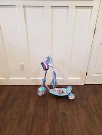 Disney princess frozen 3 wheel scooter