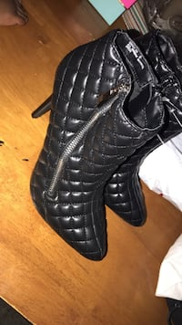 pair of black leather lace-up boots Germantown, 20876