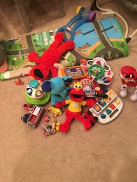 assorted color plastic toy lot Calgary, T3A 3W2