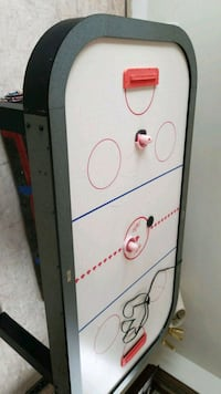 white and red air hockey table Barrie, L4N 4E6