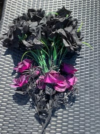 Forever Flowers with a creepy twist - 24 black and 8 dark purple!! Los Angeles, 91605