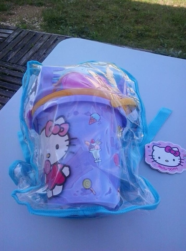 seau de plage  hello kitty
