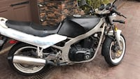 1989 Suzuki gs550F26000 Kms tank and fuel Lines new Carbs worked on. Surrey, V3S 6P8