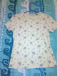 white and blue floral crew-neck cap-sleeved shirt Tucson, 85706