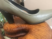 Fly Foot  - size 7 , perfect condition