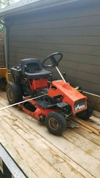 red and black push mower Bradford West Gwillimbury, L3Z 2A5
