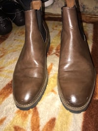brown leather Chelsea boots Oakland, 94606