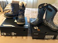 Bogs and SORELs s2 mint condition