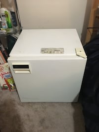 Mini fridge ! Edmonton, T5G 3E8