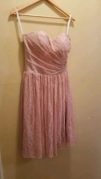Rose pink lace dress New Westminster, V3M 1X1