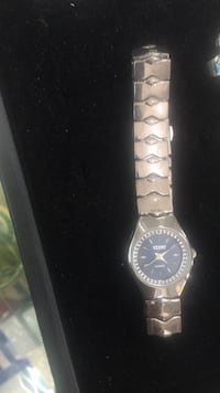 round silver-colored analog watch with link bracelet Miami Gardens, 33014