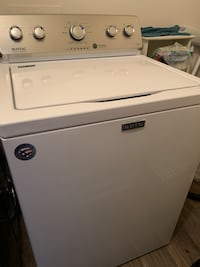 Maytag High Efficiency Washer Top Loader w stainless drum