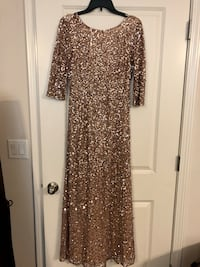 Adrianna Papell beaded sequin mother of the bride dress. Size 6. Worn once.  Jacksonville, 32081