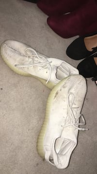 Yeezy boost 7/10 condition needs to be cleaned Springwater, L9X